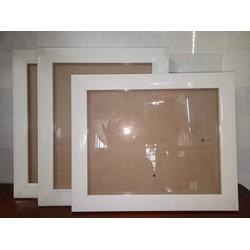 Bộ 3 khung ảnh trắng treo tường 20x25cm