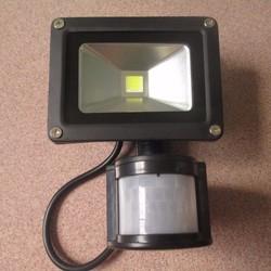 Đèn led pha có cảm biến chuyển động 10W