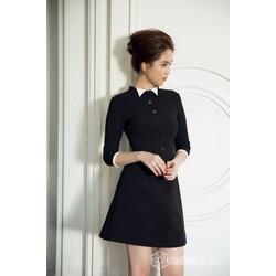 Đầm Ngọc Trinh thiết kế xòe kiểucông sở, tay lỡ trẻ trung