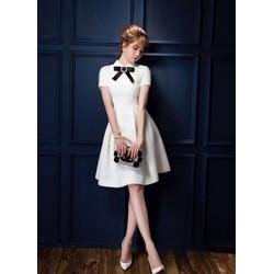 Đầm xòe Ngọc Trinh thiết kế tay con nơ cổ