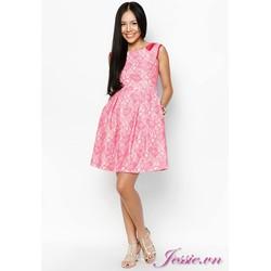 Đầm ren hồng lá cổ đỏ, tùng xòe xếp ply - JESSIE BOUTIQUE.