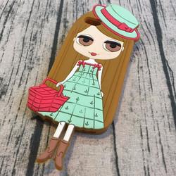 Ốp lưng Iphone 5 5s hình chibi cô gái xách giỏ