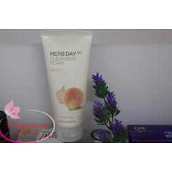 sữa rửa mặt The Face Shop Herb Day 365 hương đào cho da khô