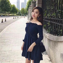 Đầm bệt vai nhún chỉ tay dài
