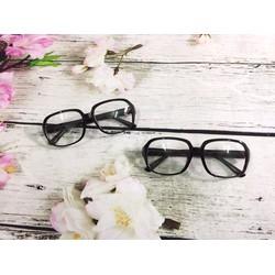 mắt kính mát gọng vuông