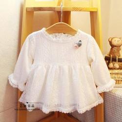 Váy ren trắng cho bé gái