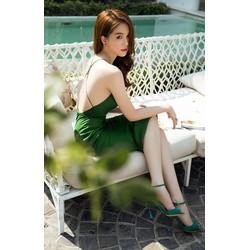 Đầm Ngọc Trinh ôm body kiểu hở lưng cực tôn dáng quyến rũ