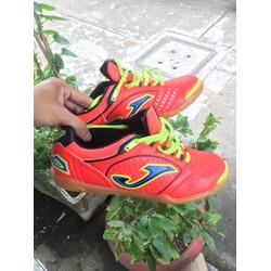 Giày bóng đá sàn