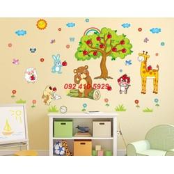 Decal dán tường trang trí vườn táo