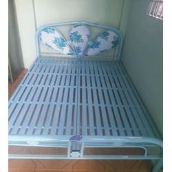 Giường sắt 1,6m xanh miễn phí giao hàng