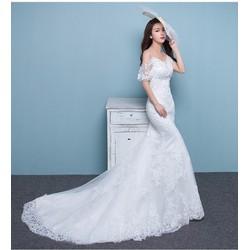 áo cưới tôn dáng, vai rũ bản to giúp che khuyết điểm ở bắp tay