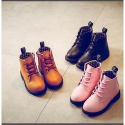 Giày boot cột dây bé gái 01