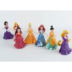 Bộ 7 công chúa Disney thay váy