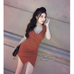 Đầm xẻ ngực hấp dẫn