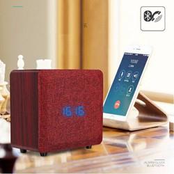 Loa Bluetooth đài FM Radio Đồng hồ báo thức