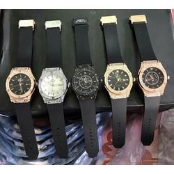 đồng hồ đính đá sang trọng giá rẻ