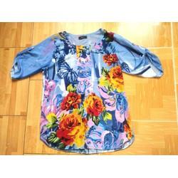 Áo voan nữ xanh ngọc tay lỡ, họa tiết hoa nhiều màu hình bướm