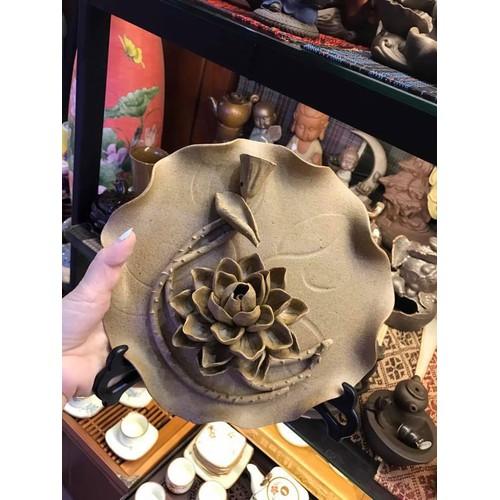 Thác khói đĩa hoa sen