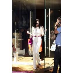 Áo croptop màu trắng cổ sen Ngọc Trinh AKN74