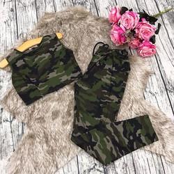 Set bộ áo croptop quần dài hoạ tiết lính