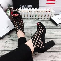 Giày cao gót hở mũi kiểu bot