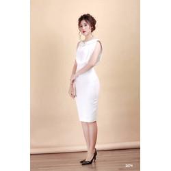 Đầm body trắng cổ lá sen