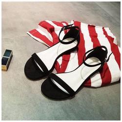 giày sandals màu đen