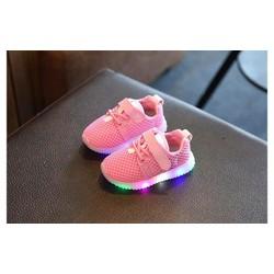 Giày thể thao bé gái có 2 màu trắng, hồng
