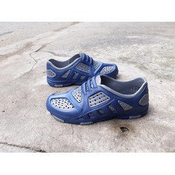 Giày nam siêu nhẹ