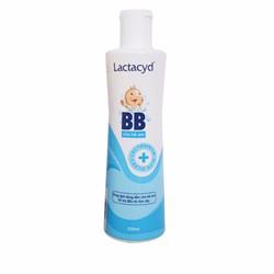 Sữa tắm Lactacyd