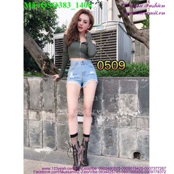 Quần short jean nữ rách bụi bặm sành điệu QSO383