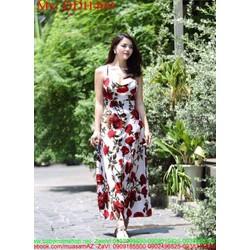 Đầm dạ hội cúp 2 dây và hở lưng họa tiết hoa hồng xinh đẹp