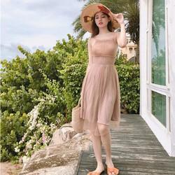 Đầm dây màu nude, dịu dàng xinh xắn