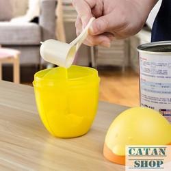bình chia sữa, hộp chia sữa không BPA, dạng tròn xoay tiện dụng