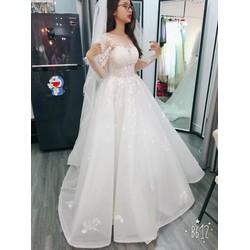 áo cưới trắng đuôi dài1m tay dài