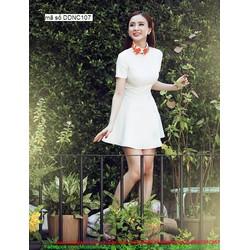 Đầm xòe trắng tay con thiết kế dễ thương như Phương Trinh
