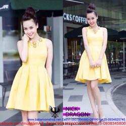 Đầm vàng xòe xếp ly thiết kế đơn giản như Helen Thanh Thảo