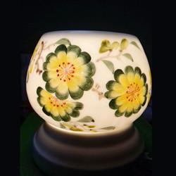 Đèn gốm sứ trang trí phòng khách