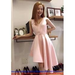 Đầm xòe thiết kế chéo váy xếp ly màu hồng dễ thương như Minh hằng