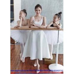 Đầm trắng xòe dài dự tiệc thiết kế sang trọng trẻ trung