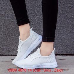 Giày sneaker nữ LK12