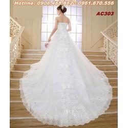 áo cưới màu trắng đuôi dài AC303