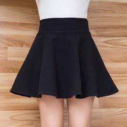 chân váy xòe ngắn