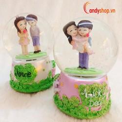 Hộp nhạc Quả Cầu Tuyết tình nhân QCT19 - Music box candyshop88.vn