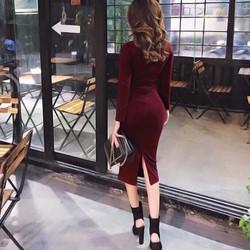 Đầm body tay dài xẻ phía sau