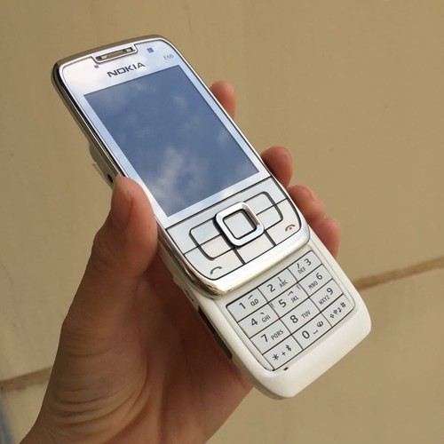 Nokia E66 trắng chính hãng