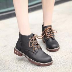 Giày boot nữ cổ cao buộc dây Sành điệu