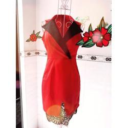 Đầm ôm phối lai ren cổ vest cách điệu