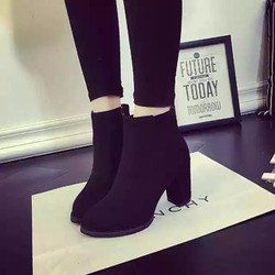 Giày bốt nữ cao gót da lộn gót vuông