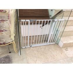 Cửa chặn cầu thang không khoan Abus